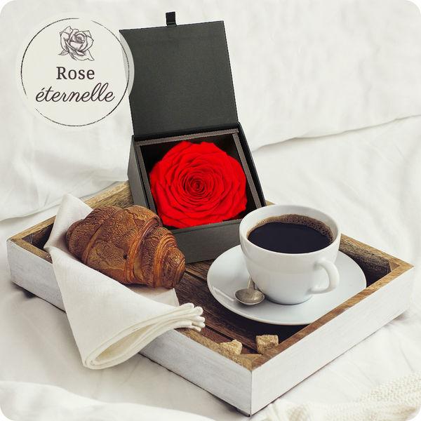 Bouquet de roses ROSE ETERNELLE + ECRIN NOIR