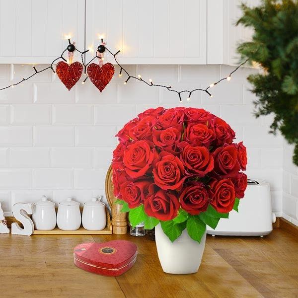 Coeur de roses rouges (Coussin de 51 roses) - Escapade Florale